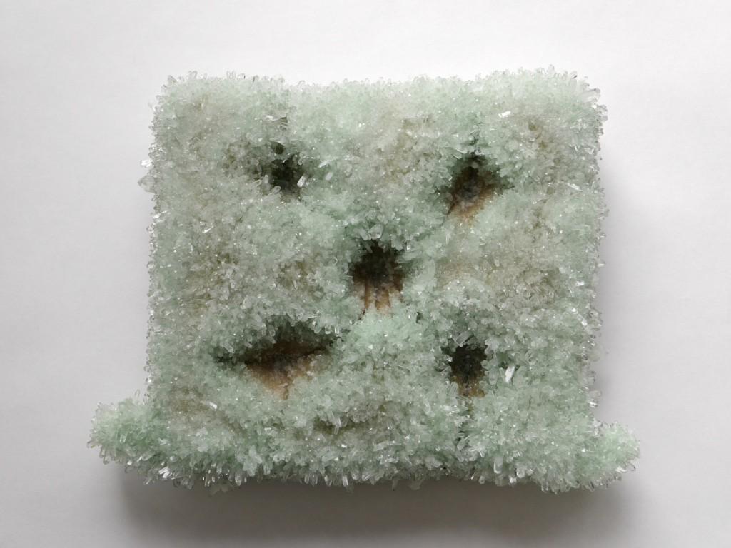 'KISSEN', 2015, Phosphatkristallisation auf Stoffkissen, 54x41x13 cm