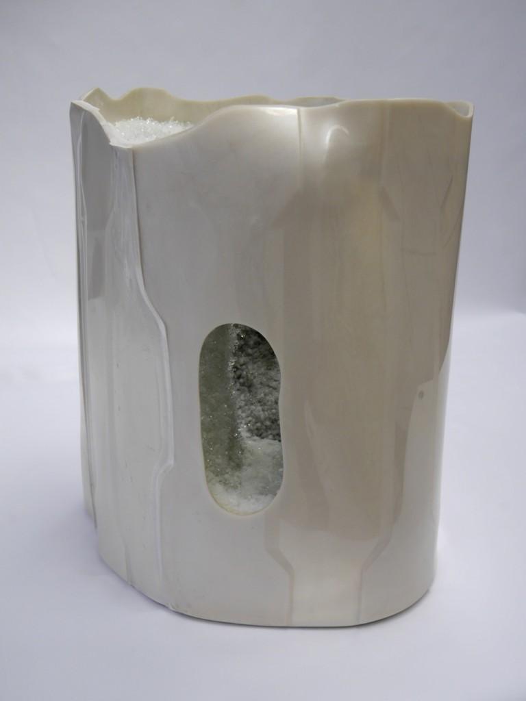 HIGH DENSITY OBJECT, 2015, Polyurethan, Epoxidharz, Phosphatkristallisation, ca. 40x40x52cm